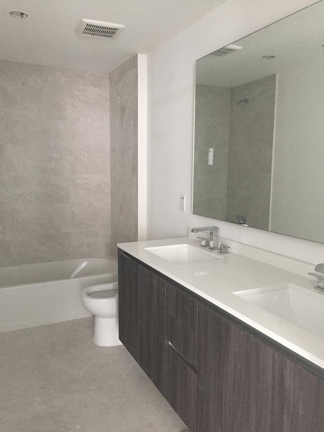 Aria on the Bay Guest Bath