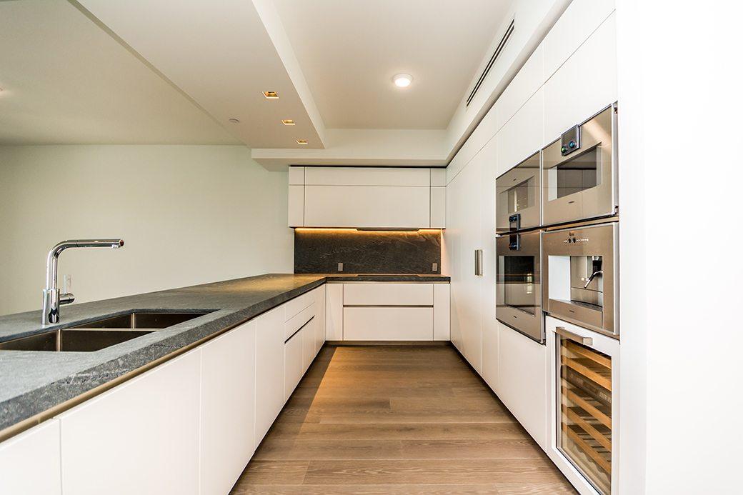 Palazzo Del Sol 7072 W Kitchen