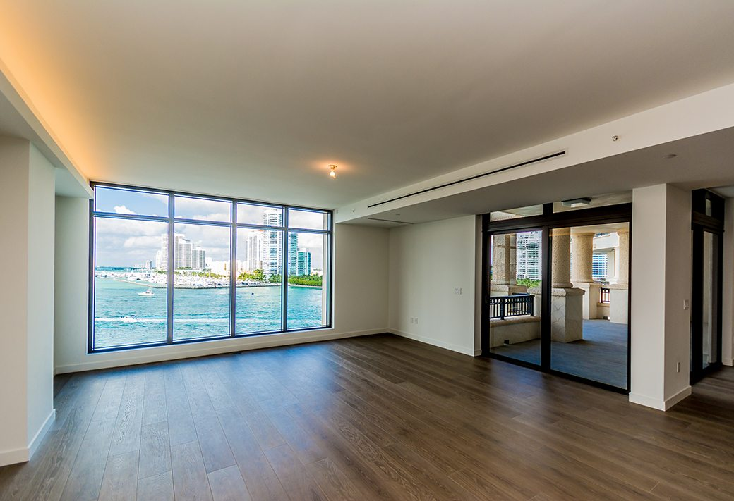 Palazzo Del Sol 7072 W Living Room View