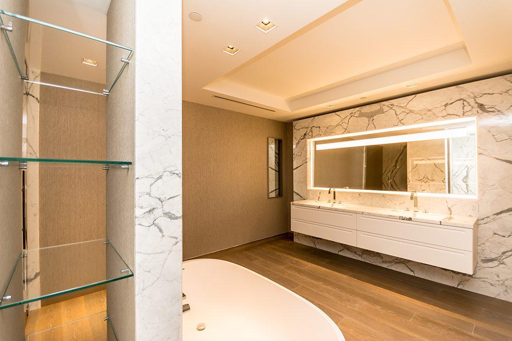 Palazzo Del Sol 7072 W Master Bath 03