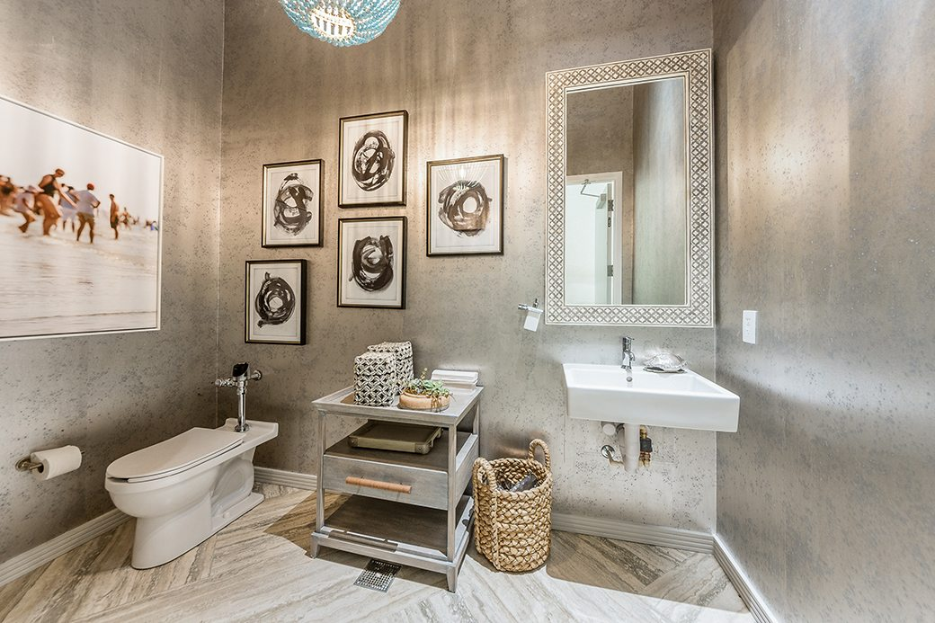 Biscayne Beach Amenities Bathroom 2