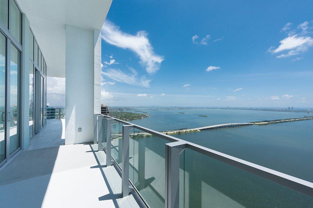Biscayne Beach PH7 balcony 4