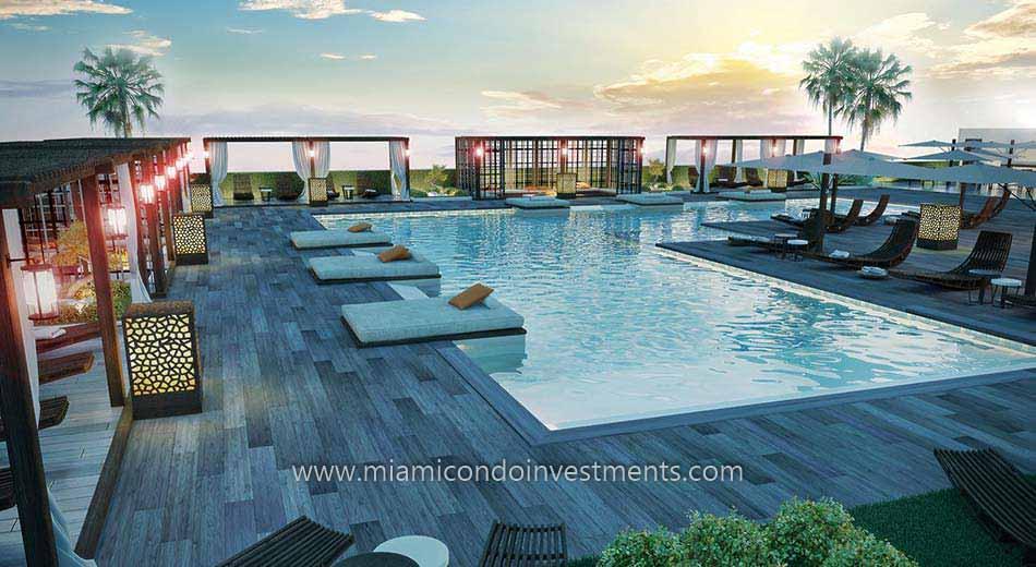 Brickell Ten swimming pool