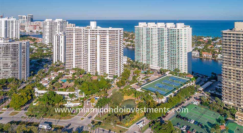 Hamptons South Aventura condominiums