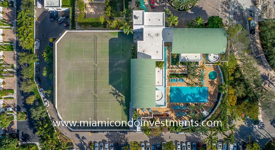 Peninsula 2 tennis and pool deck