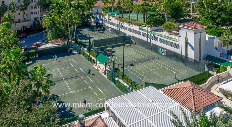 Porto Vita tennis courts