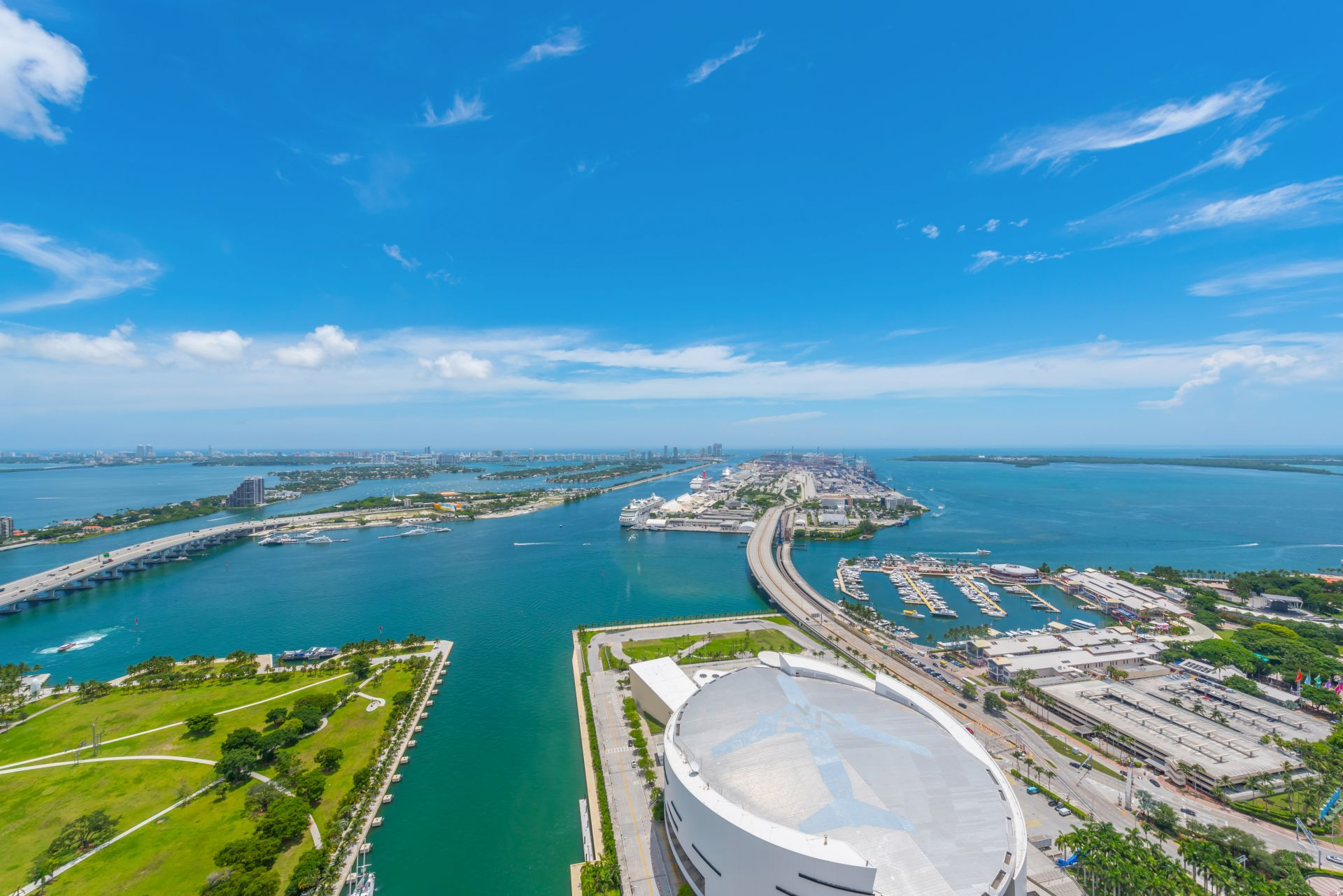 MarinaBlue View of Biscayne Bay