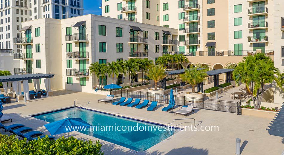 1300 Ponce pool