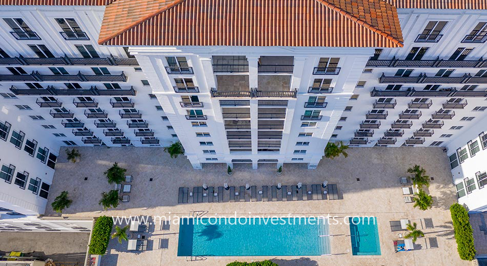 Ten Aragon pool deck
