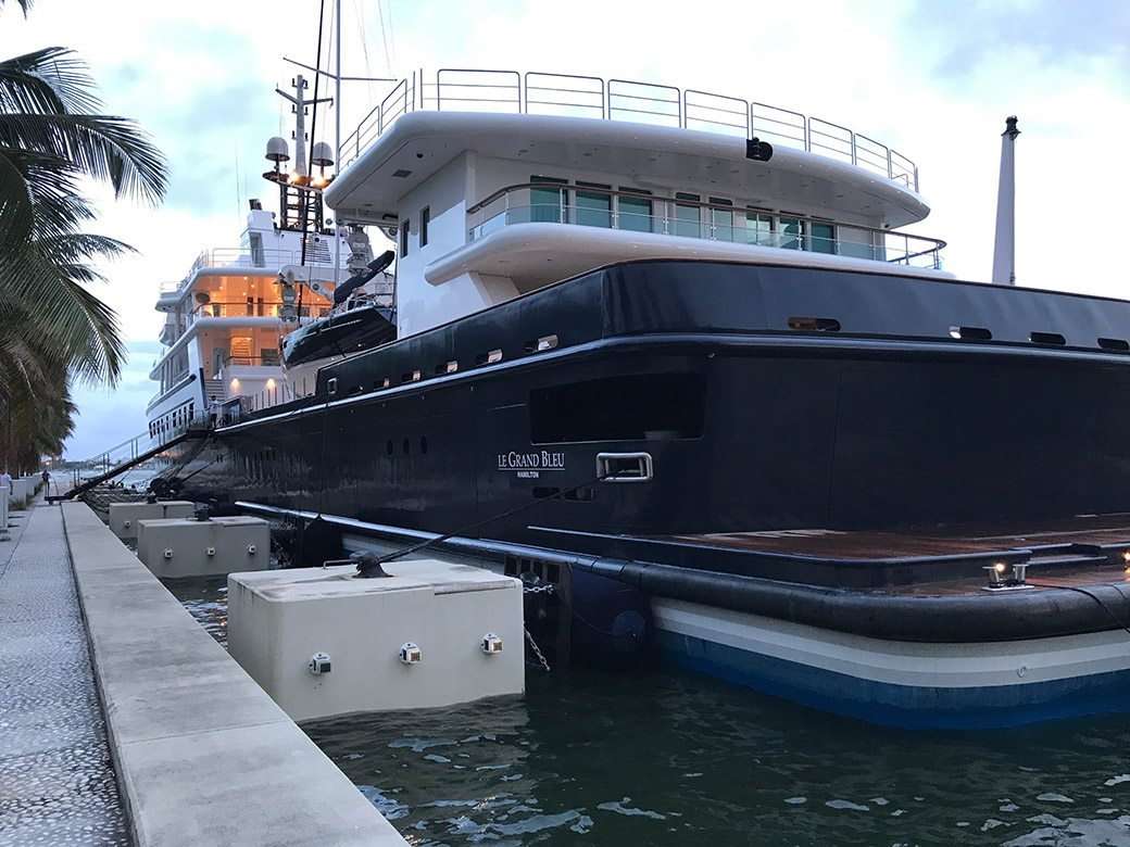 Le Grand Bleu Yacht Docks In Miami At Museum Park