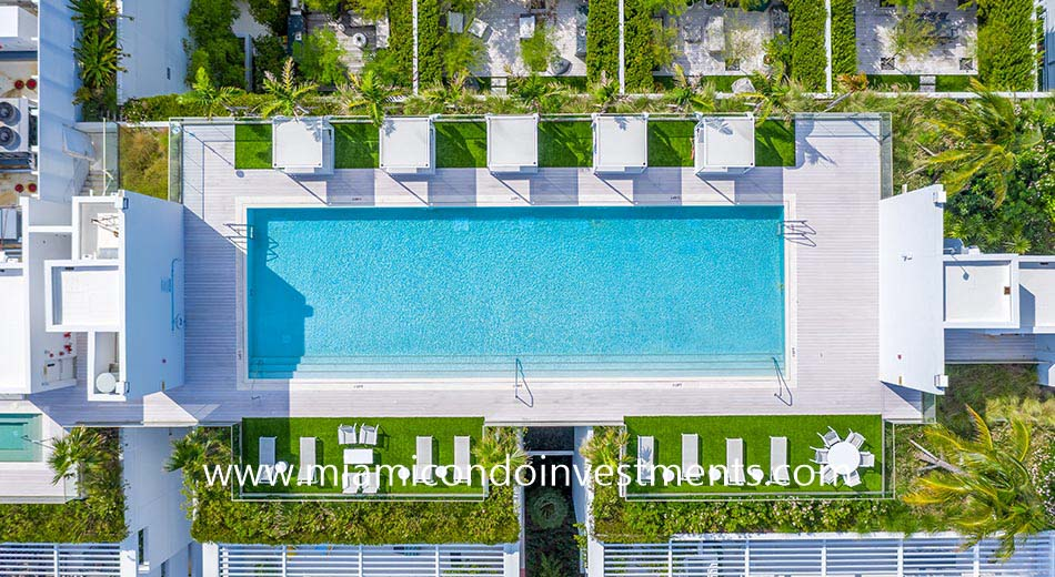 aerial view of the 300 Collins rooftop pool