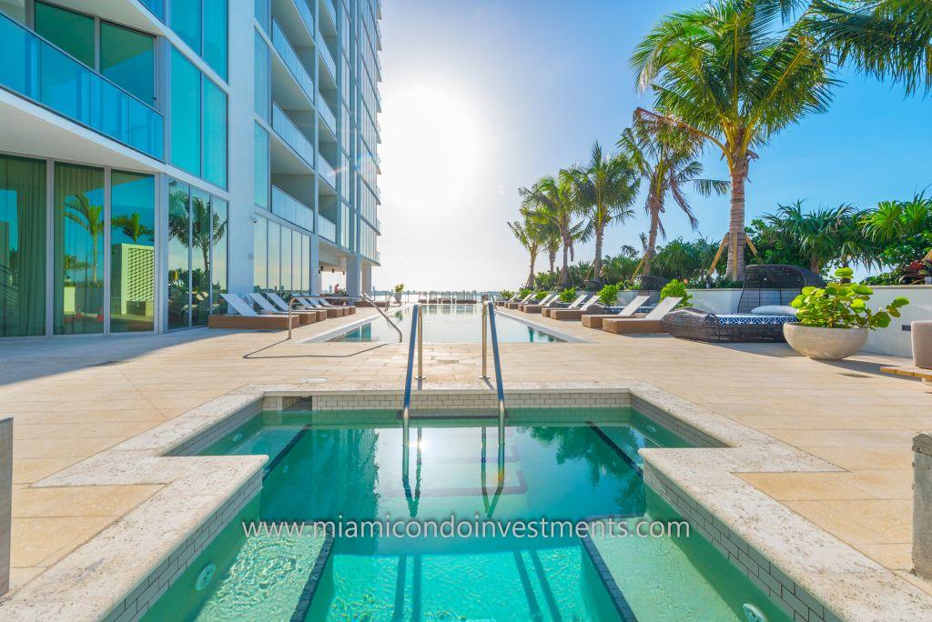 6th floor pool deck at Biscayne Beach