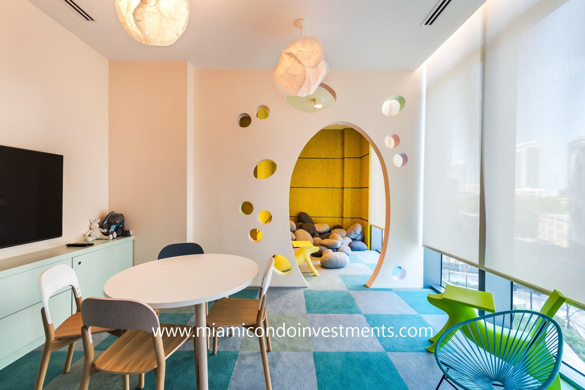 children's playroom at Paraiso Bay