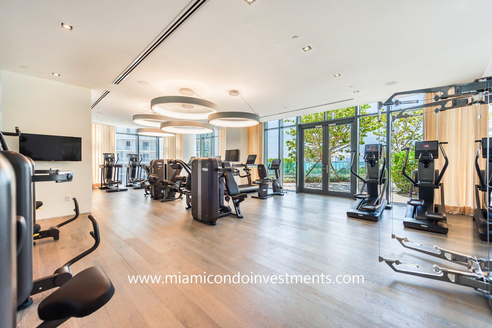 Paraiso Bay fitness center
