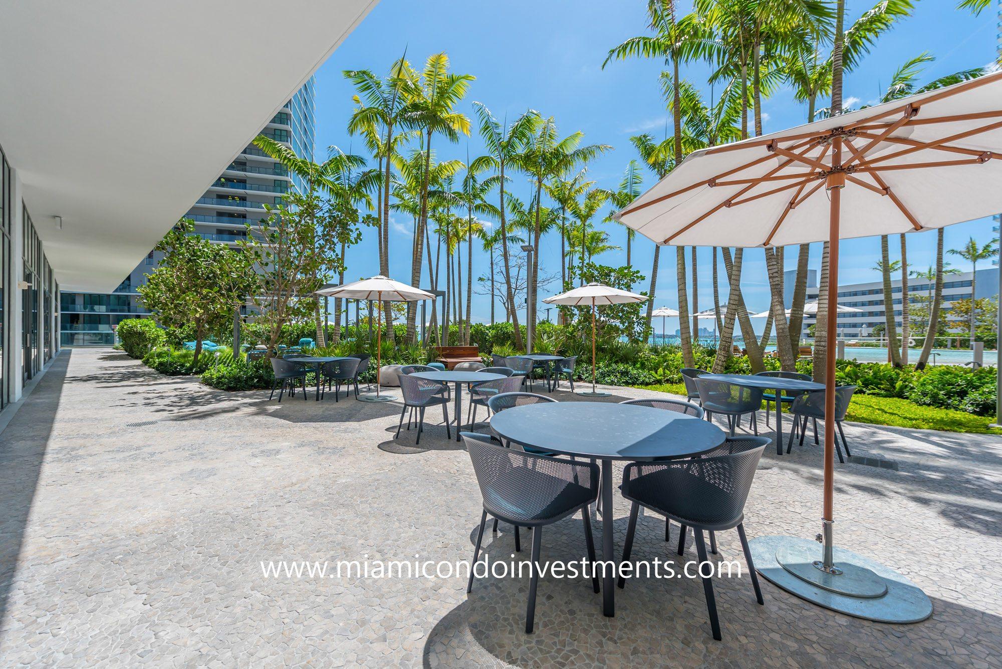 Paraiso Bay outdoor terrace