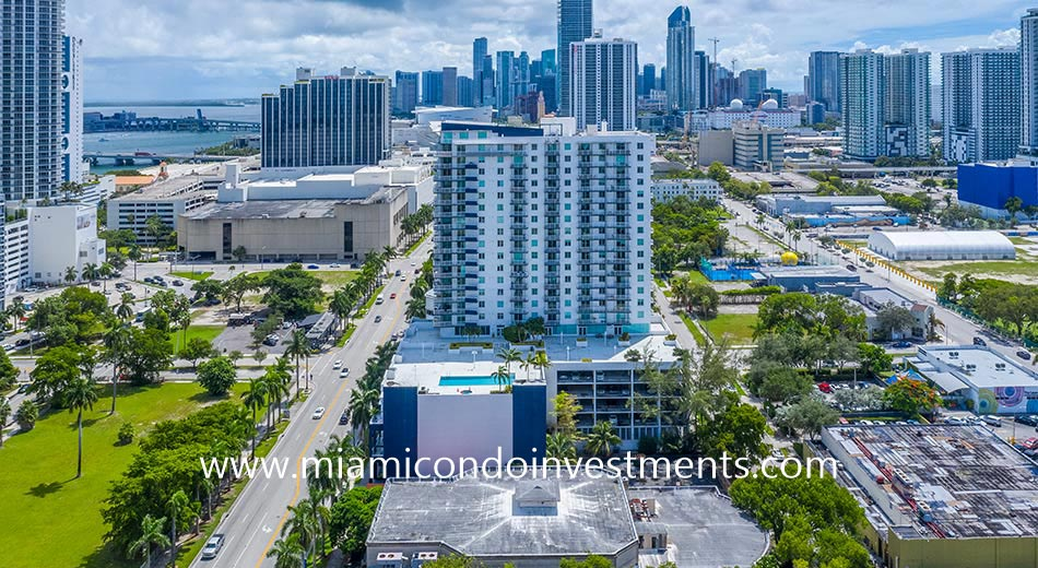 1800 Biscayne Plaza condos
