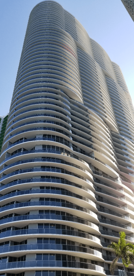 Aria on the Bay condos