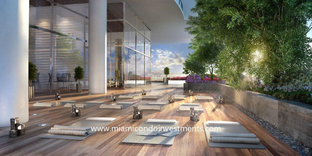 Canvas yoga garden
