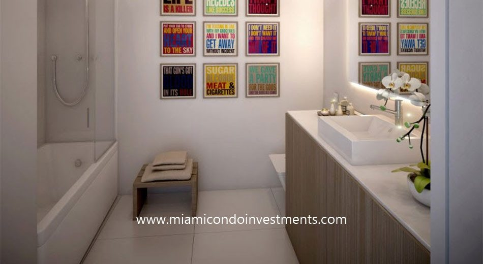 Cassa Brickell bathroom
