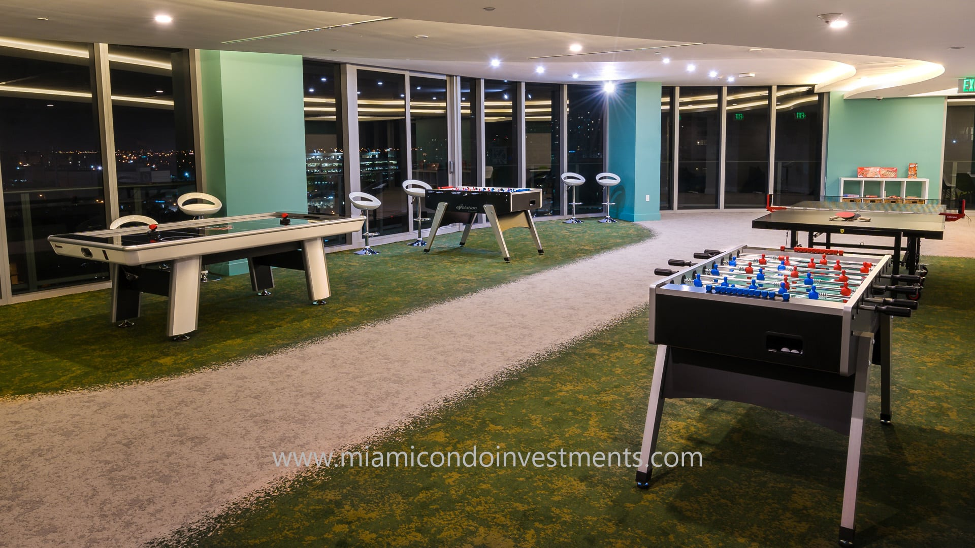 game room at Aria on the Bay