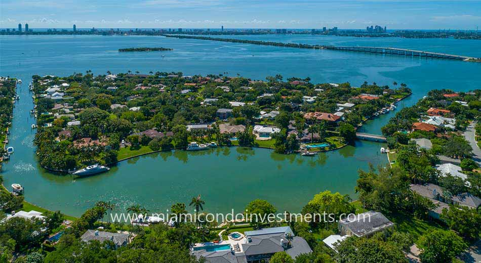 waterfront houses Baypoint Miami