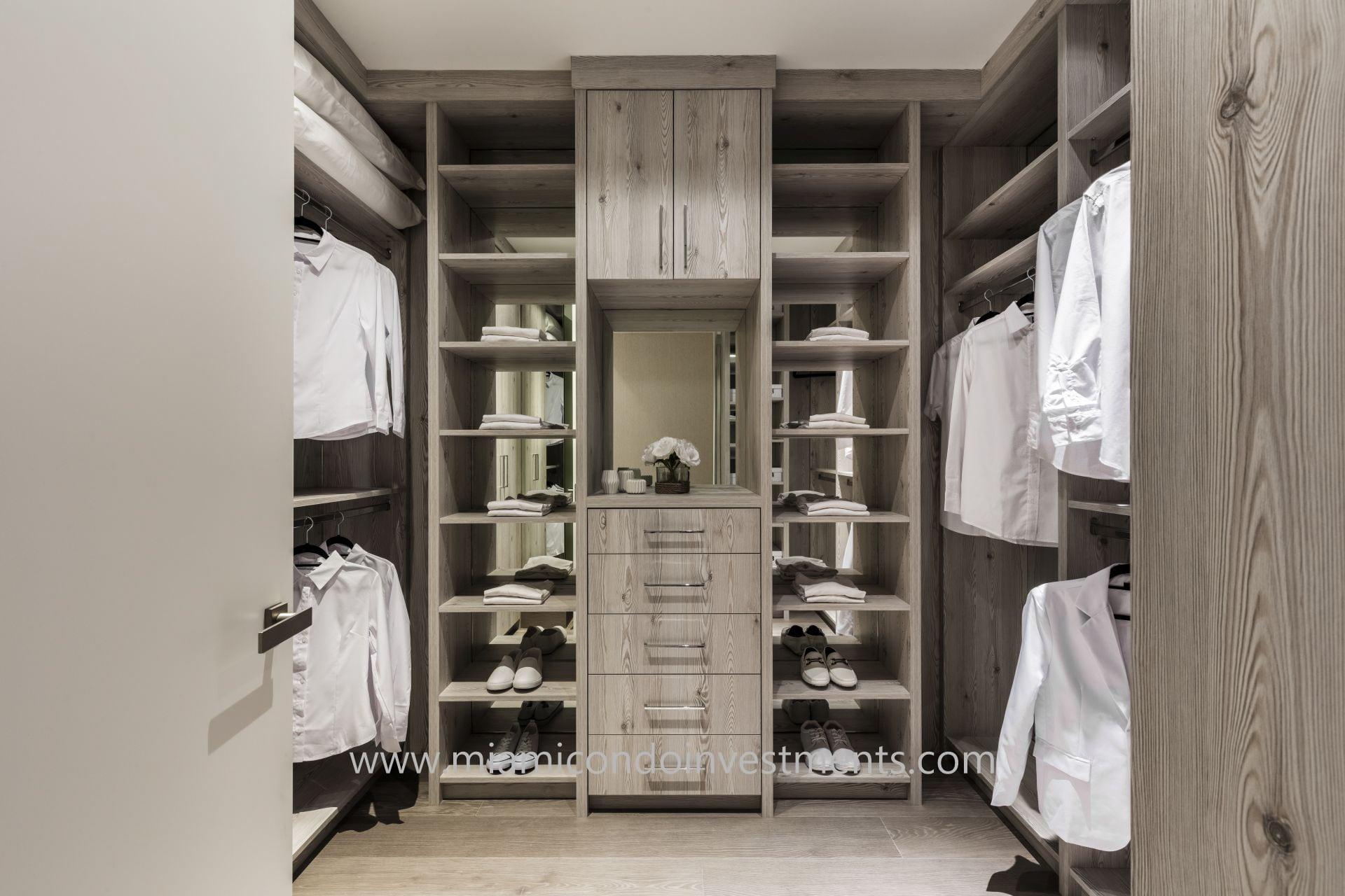 Kids walk-in closet designed by Antrobus+Ramirez