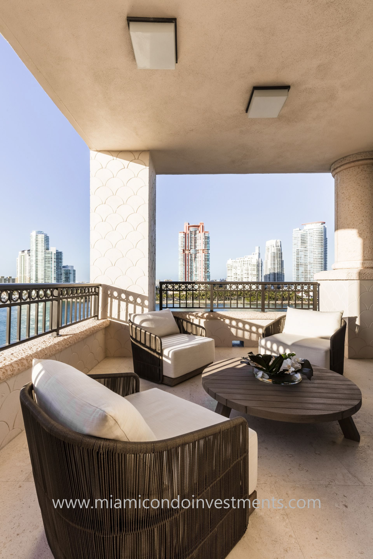 furnished terrace by Antrobus+Ramirez