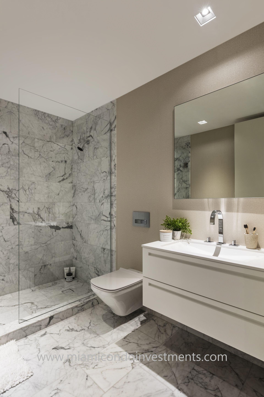 Palazzo Del Sol bathroom