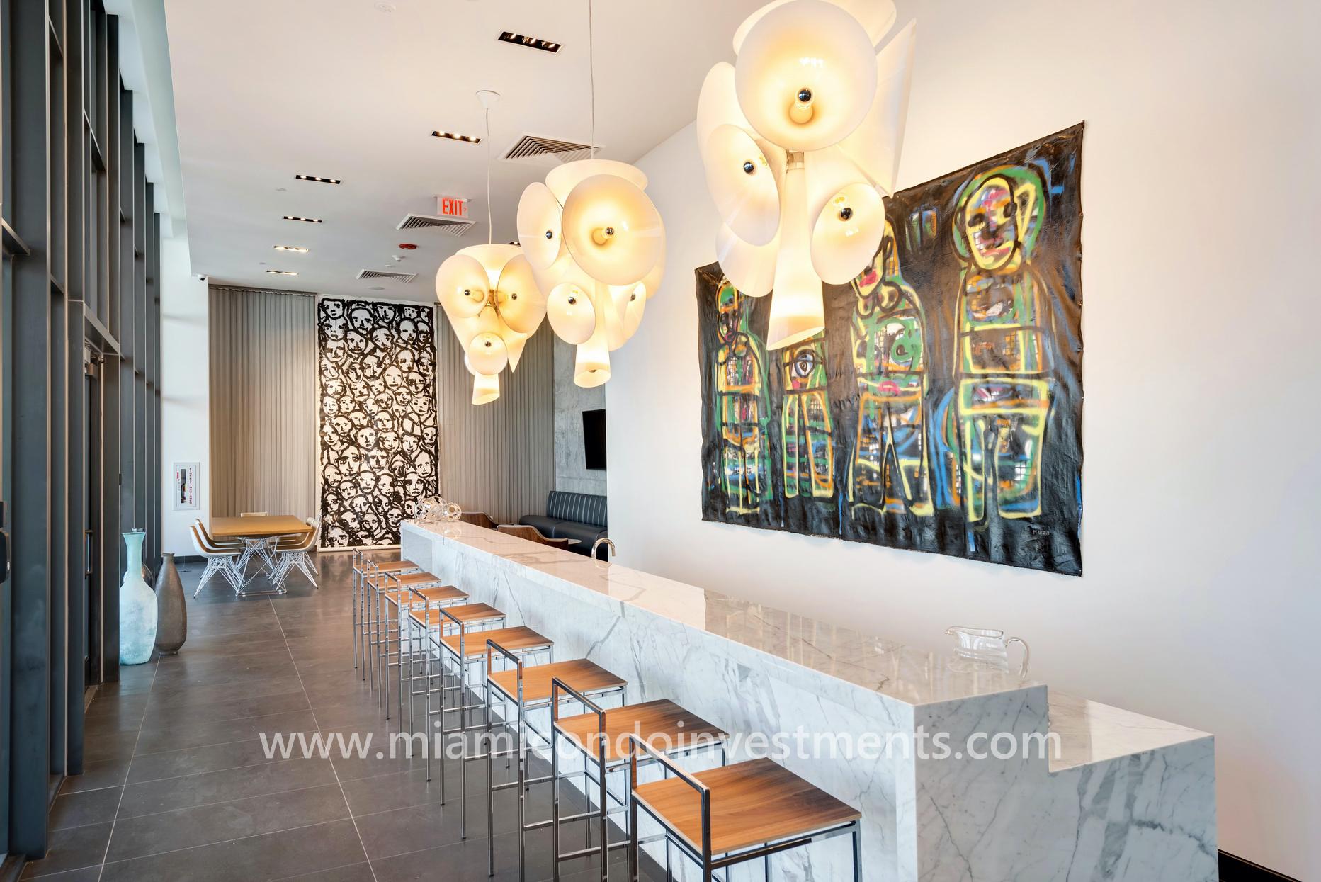 Canvas condos lounge