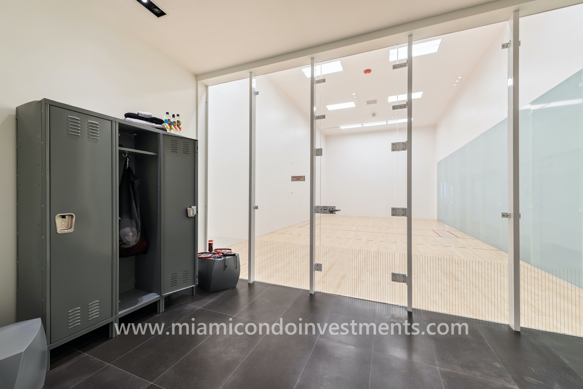 racquetball court at Canvas Miami