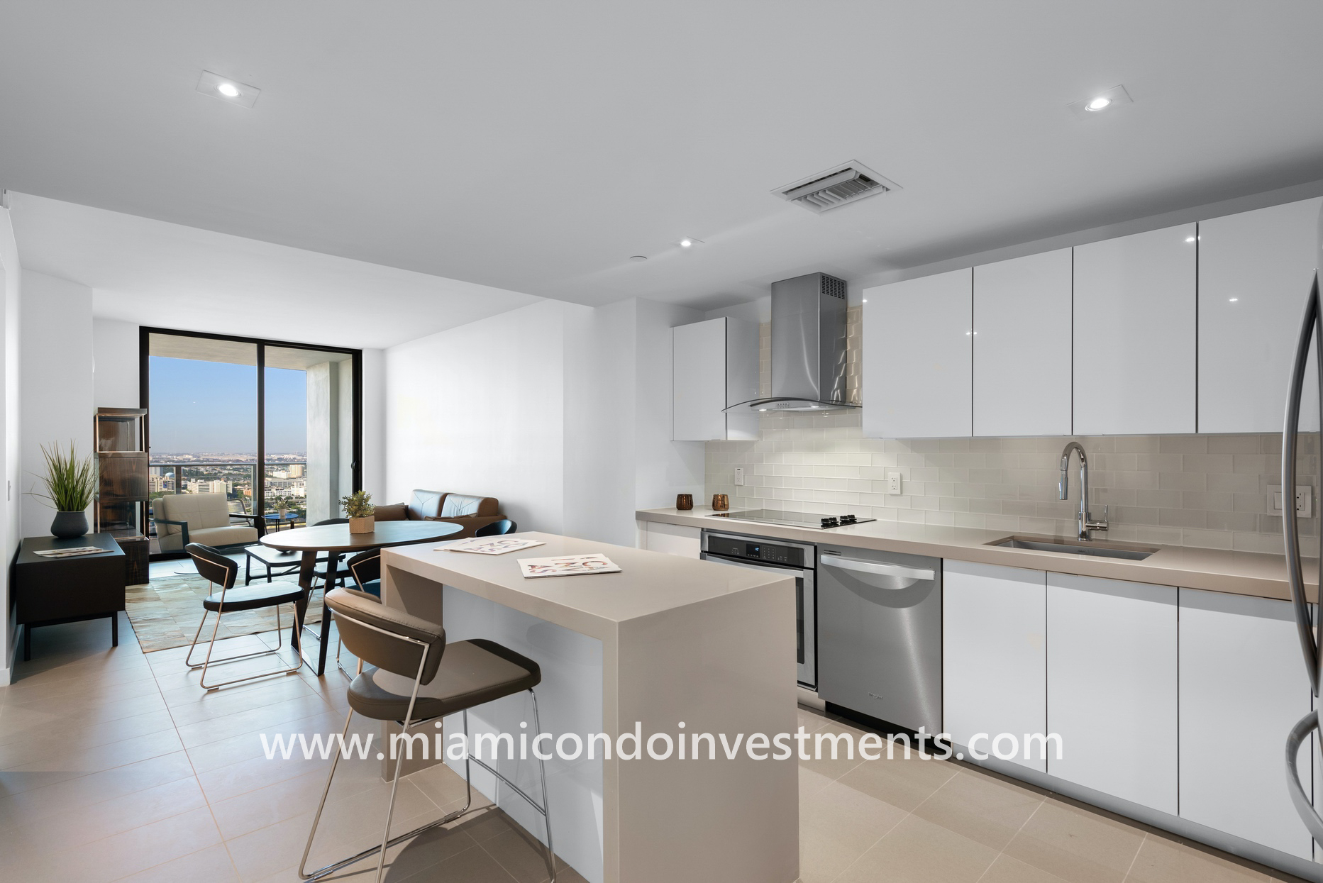 furnished 1 bedroom plus den at Canvas Miami