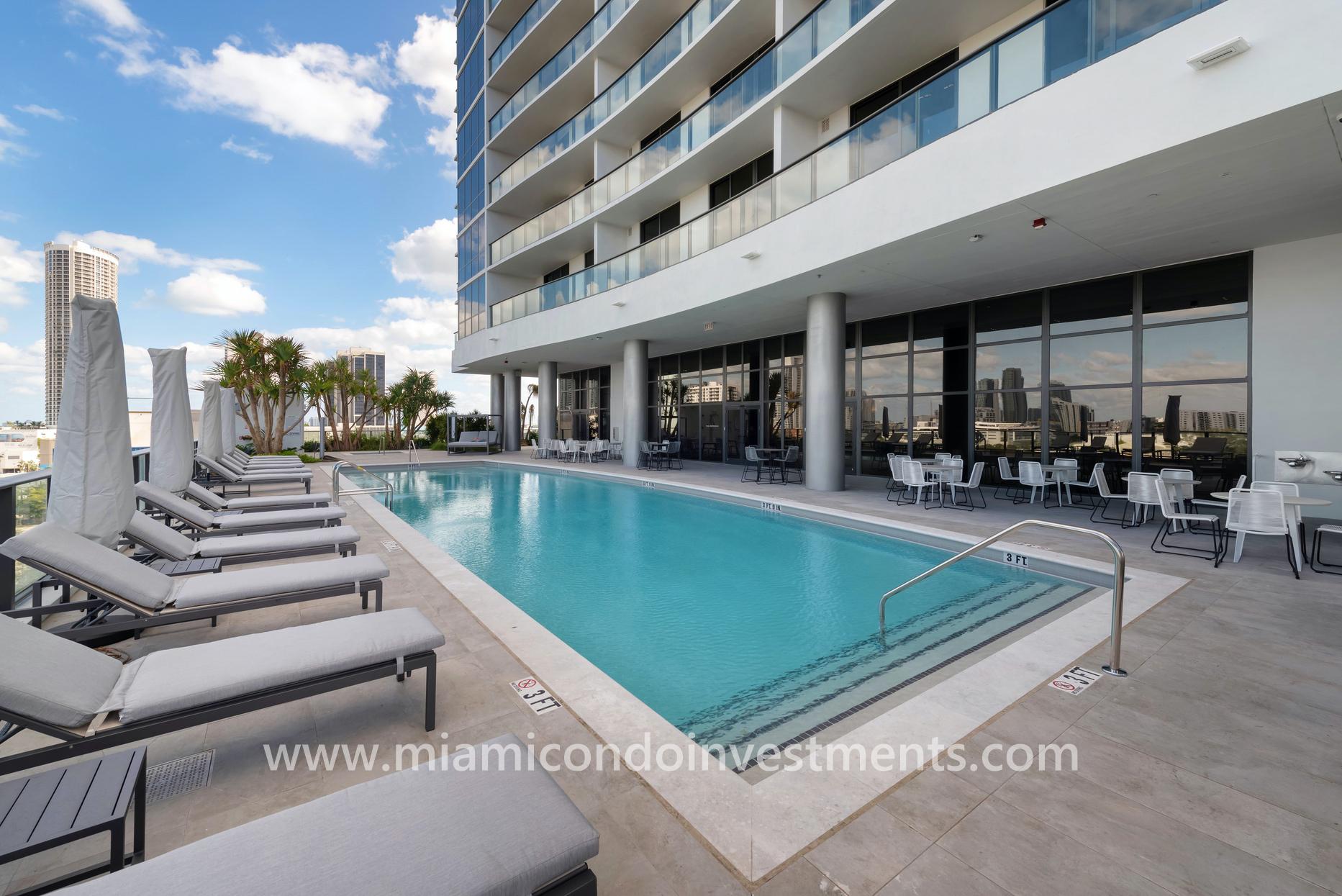 Canvas Miami north pool