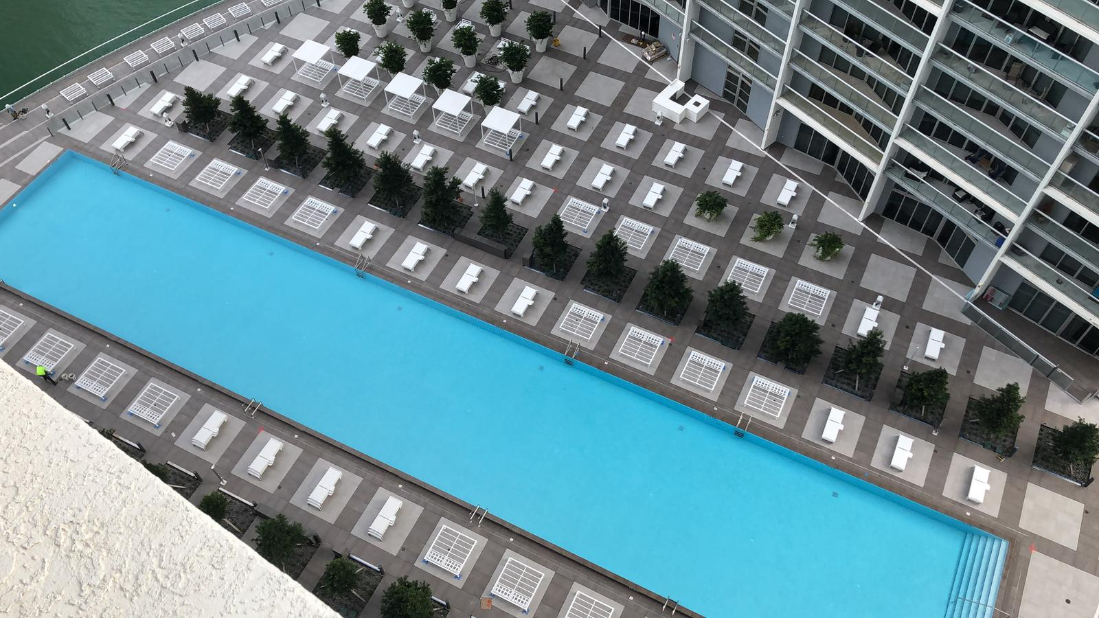 Icon Brickell pool deck 2018