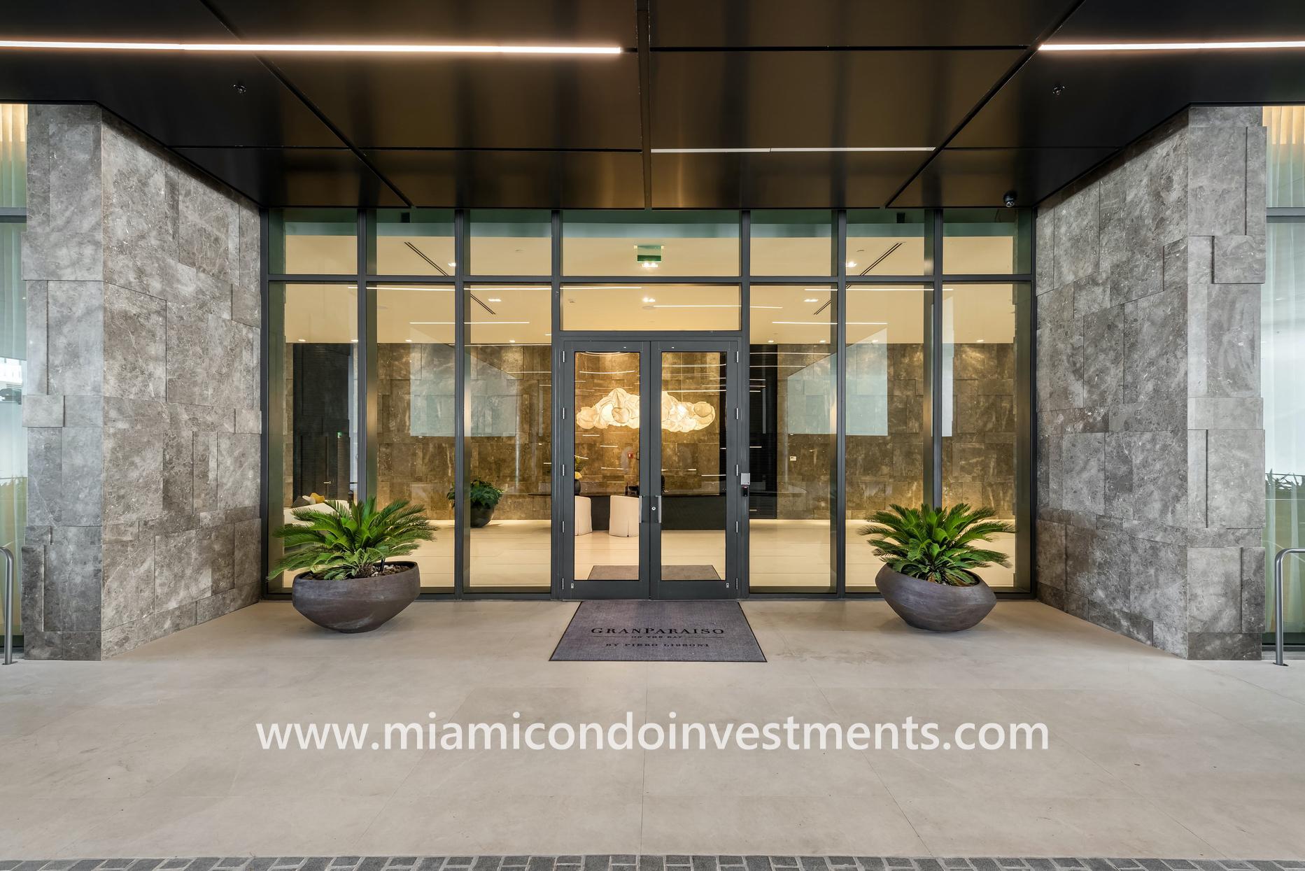 Gran Paraiso lobby entrance