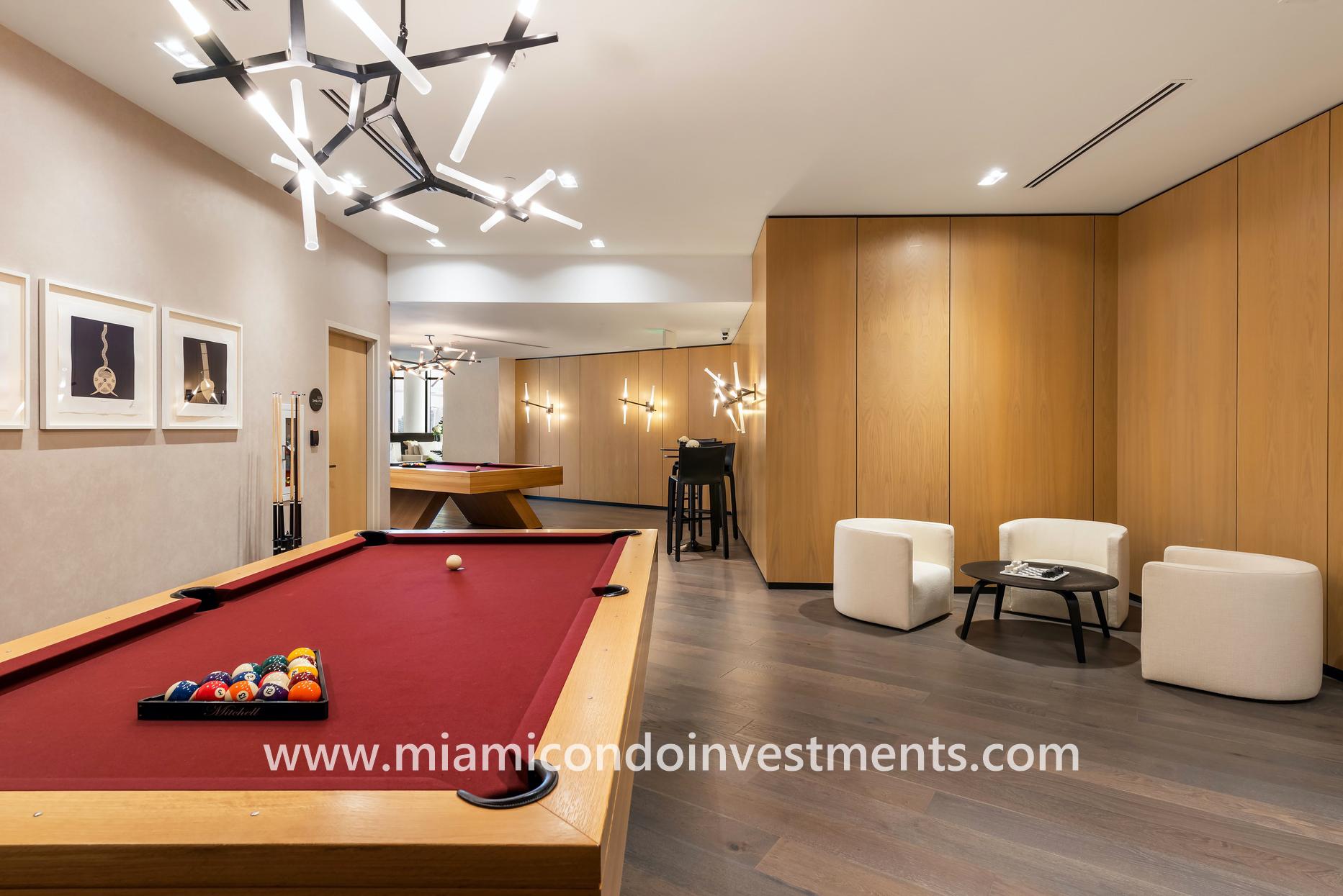 billiards room at Gran Paraiso