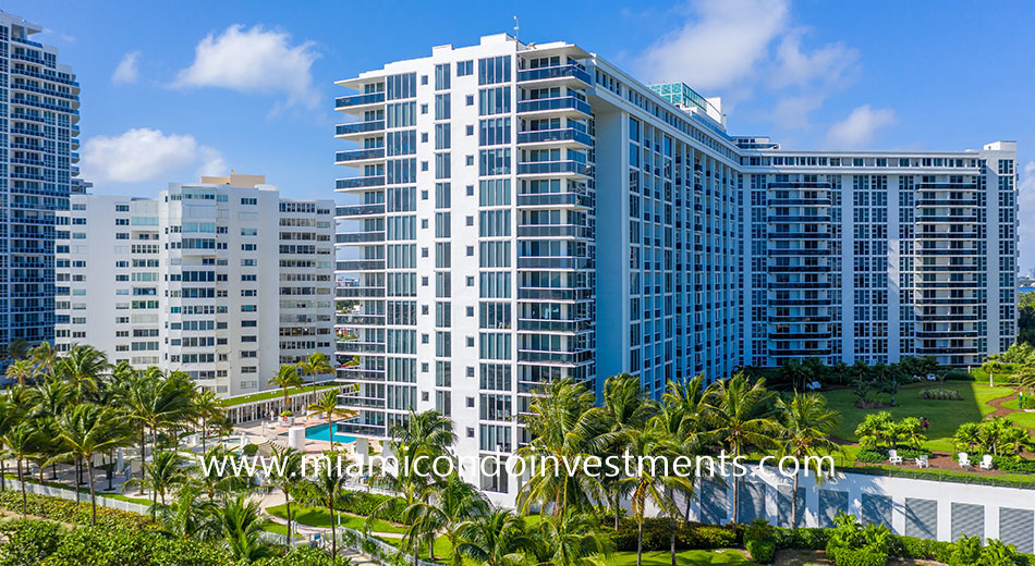 Harbour House at 10275 Collins Avenue