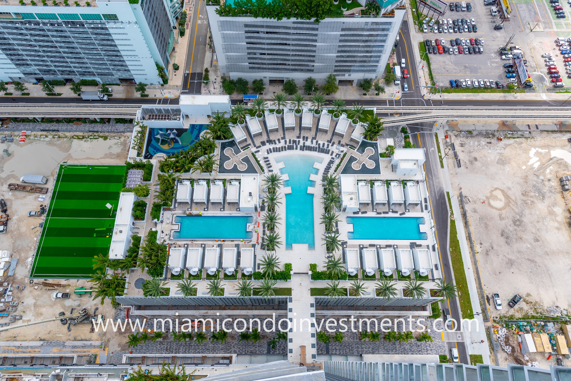 Paramount Miami resort-style pool deck from above