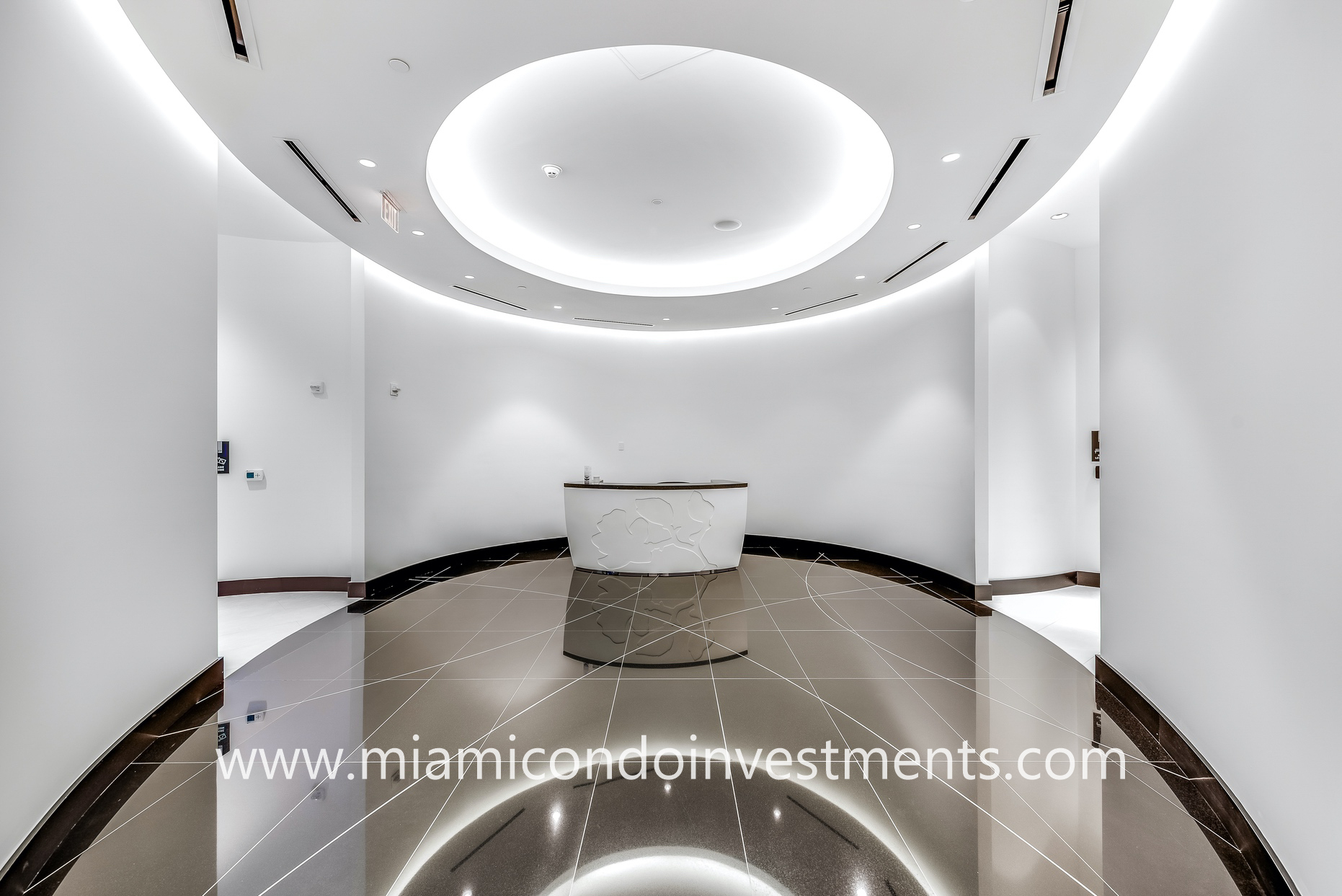 Paramount Miami Worldcenter spa entrance
