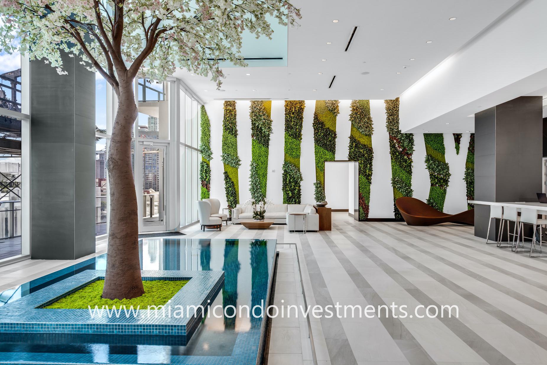 Paramount Miami conservatory