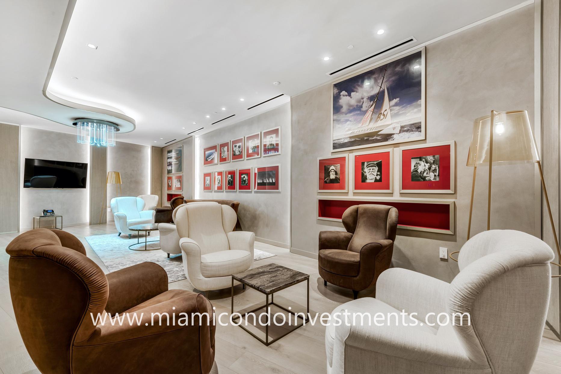 Brickell Flatiron lounge seating area