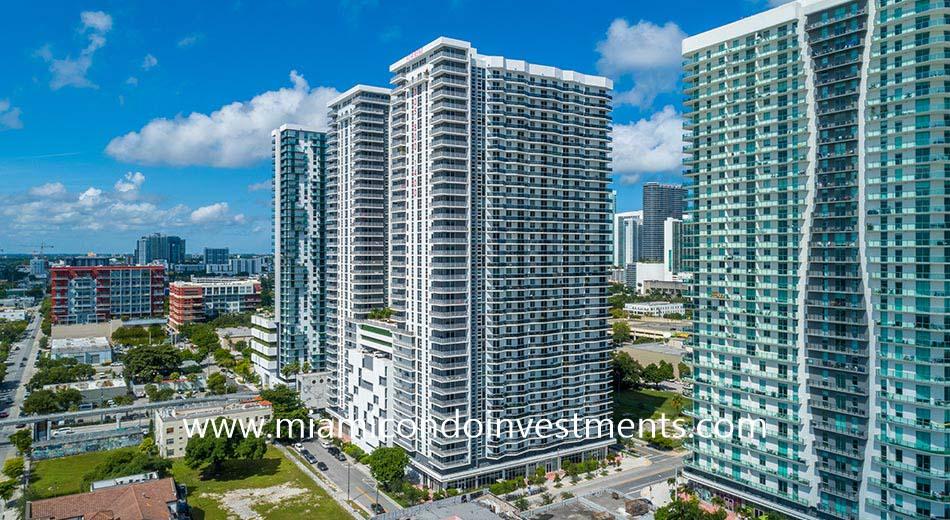 1424 NE Miami Pl Miami FL 33132