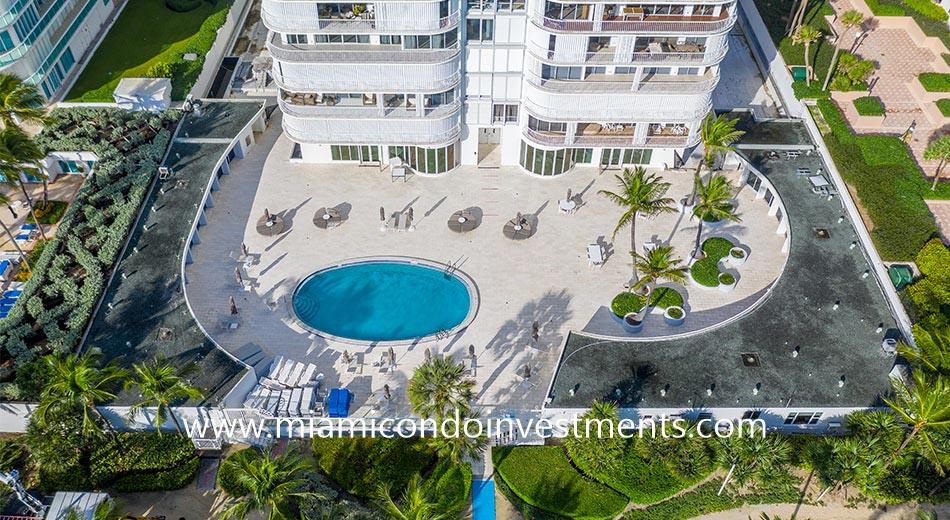 Bal Harbour 101 pool deck