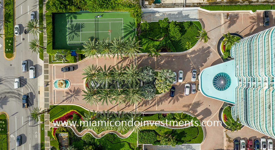 The Palace at Bal Harbour driveway entrance and tennis court