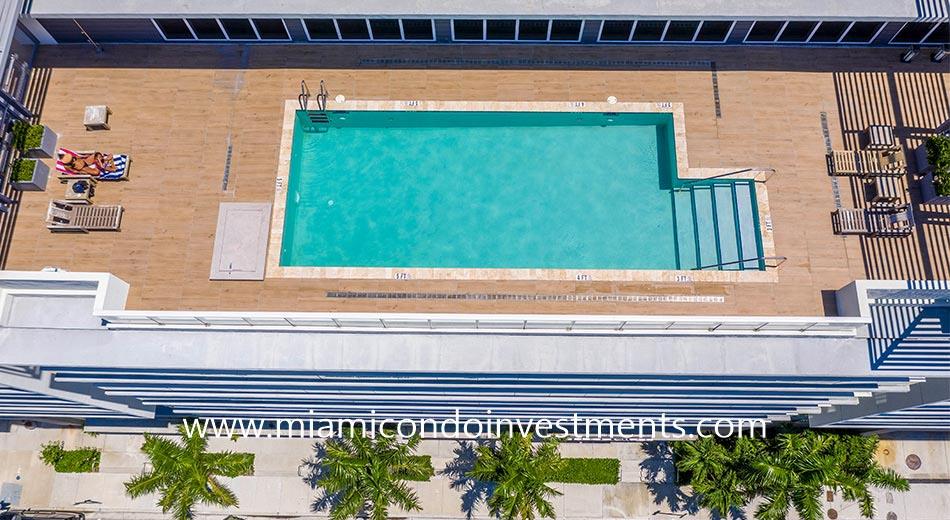 26 Edgewater rooftop pool