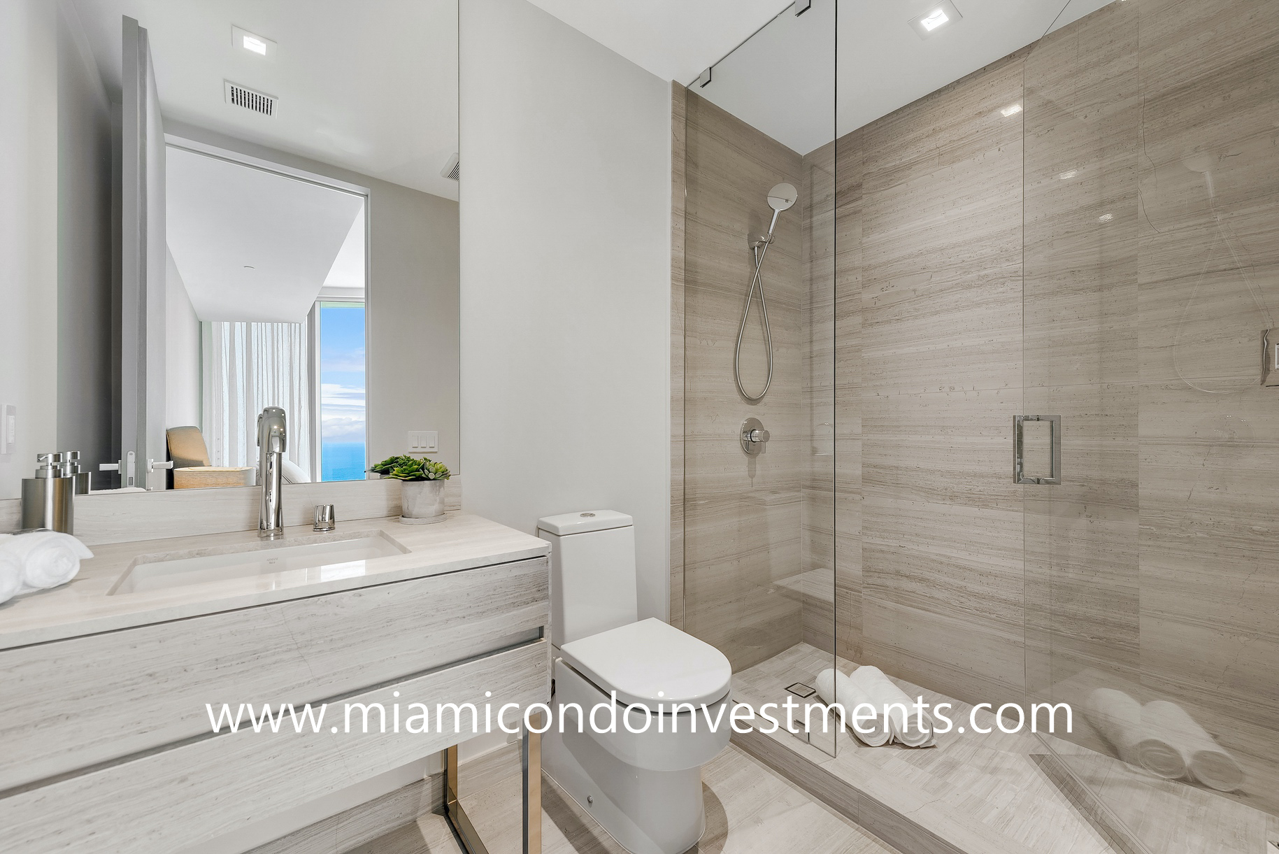 second bathroom - Armani Casa Residences