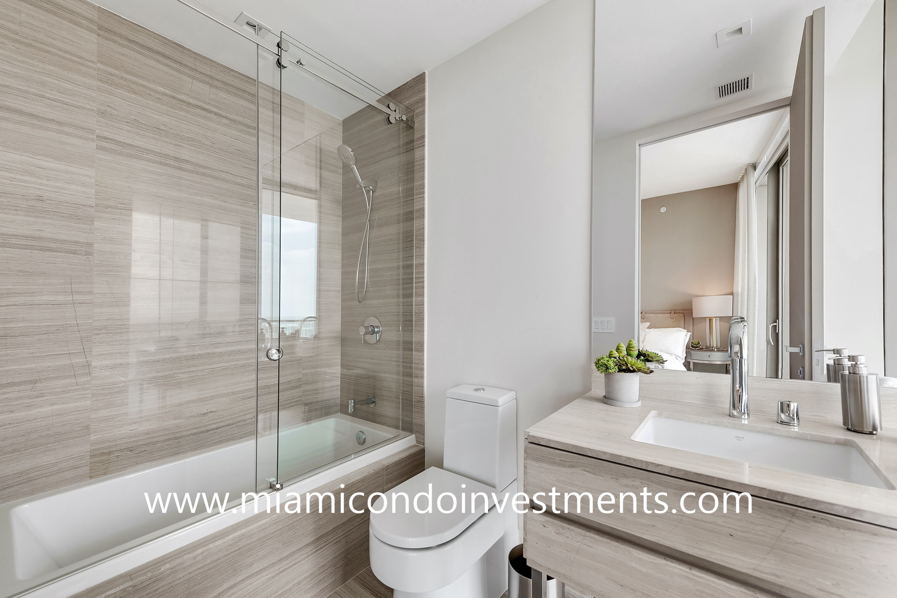 third bathroom - Armani Casa Residences