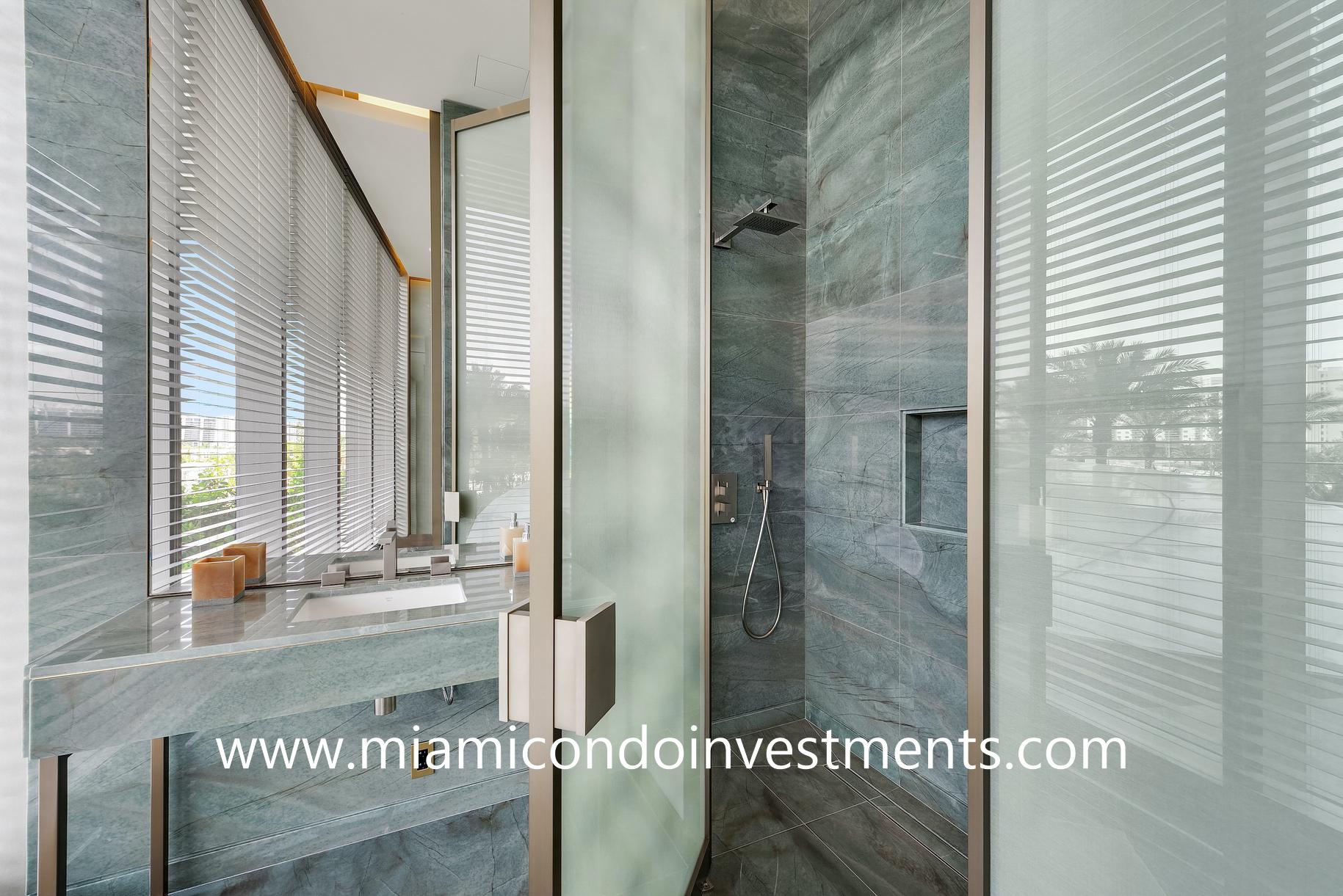 treatment room shower at Armani Casa