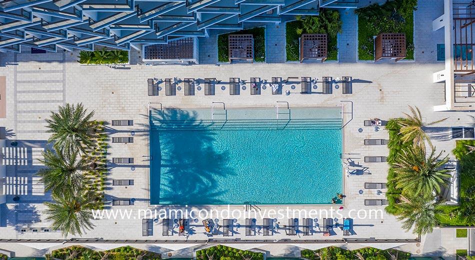 Gio Midtown swimming pool