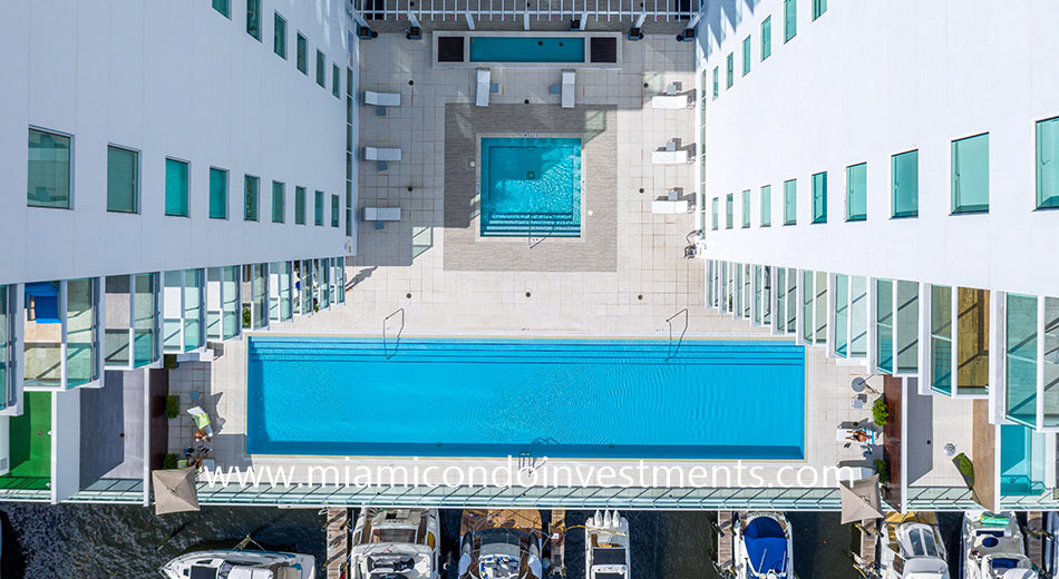 aerial view of 400 Sunny Isles pool deck