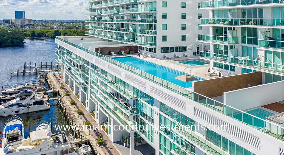 waterfront pool at 400 Sunny Isles